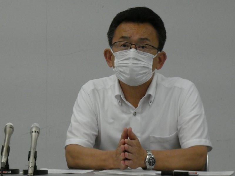 会見した兵庫県高野連の福留和年理事長(15日午後=神戸市内)