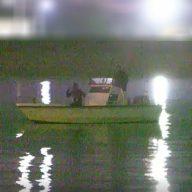 ナマコ密漁船