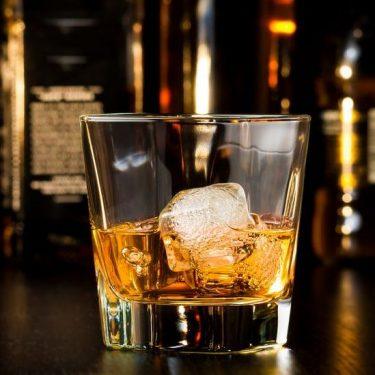 ウイスキーの飲み方・基本5種 バーテンダーに聞く