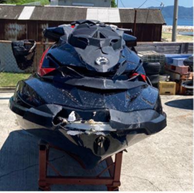 前方が破損した水上オートバイ<2021年7月 兵庫県明石沖>