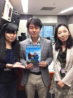 神戸フィルムオフィス代表 松下麻理さん(右) GAGA 下高原啓人さん(中)
